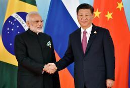 인도, 화폐·세금 개혁에도 주식·환율 훨훨… 5대 신흥국 중 자본유입 1위