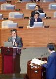 (종합)김동연 부총리 소득주도성장 조심스럽다…통상임금 상여금‧식대 통상임금 산입여부 검토