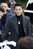 유아인, 故김주혁 추모 논란에 답하다 조의·축복 난감한 상황