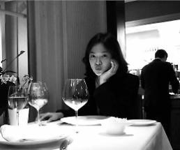 청순한 새신부 송혜교, 행복한 신혼 일상 공개…네 번째 손가락에 결혼반지 반짝