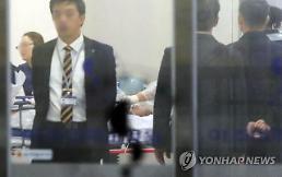 """귀순 북한군 """"TV 보고싶다"""" 의사소통 단계…생사고비 넘겨"""