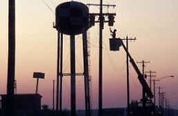 정부, 산업용 전기요금 경부하 요금 체계 바꿔 인상 추진