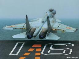 중국 '짝퉁' 전투기의 위엄(feat. 임무 가능?)
