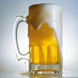 """맥주 종량세 전환 유보···국산 맥주 """"좋다 말았네"""""""