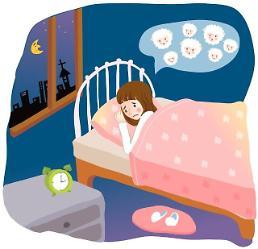 유독 일요일 밤이면 잠이 안 오는 원인 월요병에 있다