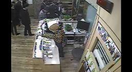 [영상] 보배드림 곰탕집 성추행사건, 또다른 시각 CCTV 등장…증거 vs 증언 싸움되나