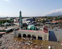 [포토] 인도네시아 강진 쓰나미에 거리마다 시신 가득…모스크 사원마저 초토화