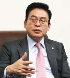 """[인터뷰] 정우택 """"한국계 하원의원 탄생 환영…양국 인적 네트워크 복원 시킬 것"""""""