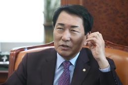 """안상수, 경찰에 고발장 제출…""""박근혜 가짜뉴스 처벌해달라"""""""
