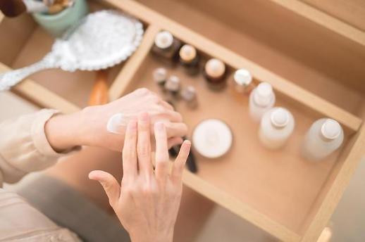 질주하는 화장품 시장… 기능성 화장품 경쟁 치열
