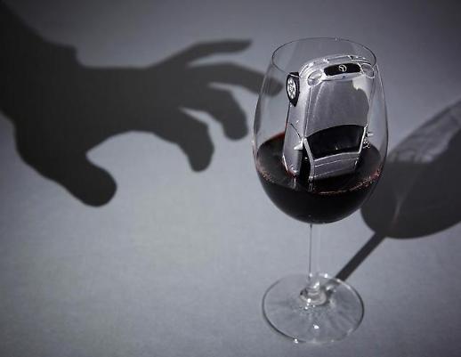 술병에도 경고그림 붙나…음주운전 경각심 고취
