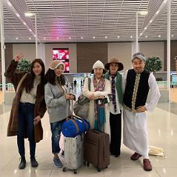 '뭉쳐야 뜬다2' 오연수·이혜영 모자로 엣지 더한 공항패션 '눈길'···'포인트는 모자'