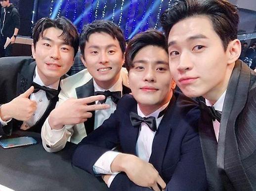 [MBC 연예대상] 나혼자 산다 헨리 이시언·기안84·성훈 형 축하해요