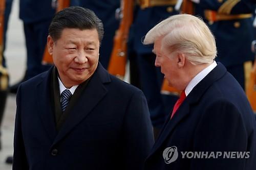 미·중 정상통화, 협력 강조하는 中...왕이 양국관계 내년 불혹