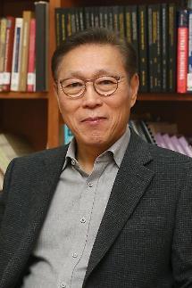 [특별 인터뷰] 김태유 서울대 교수 정부혁신 없인 4차산업혁명 실패한다