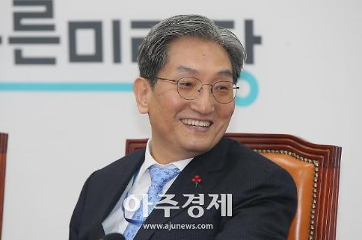 [포토] 활짝 웃는 노영민 신임 대통령 비서실장