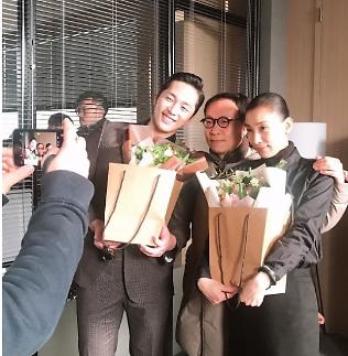 SKY캐슬 김서형, 조선생과 인증샷...마지막 김주영 사무실에서