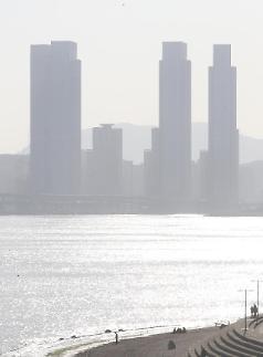 조명래 환경부 장관 미세먼지, 중국과 실질적 저감조치 준비 중