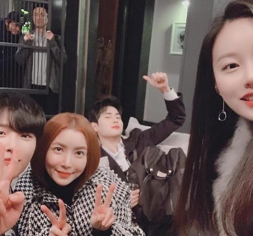 조병규, 스카이캐슬 가족사진 공개…예쁜 엄마 윤세아와도 케미 뿜뿜