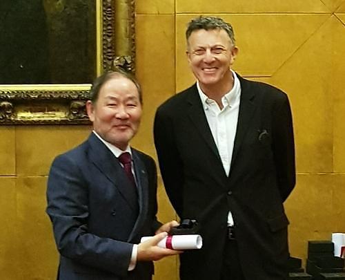 강철희 건축가협회장, 영국 건축가협회 프레지덴셜 메달 수상