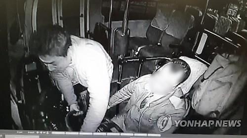 '버스 핸들 꺽고 음주난동' 前 롯데 박정태, 검찰에 불구속 송치