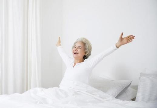 행복한 노년의 삶 꿈꾸는 중년여성…골반 저근 관리하려면?
