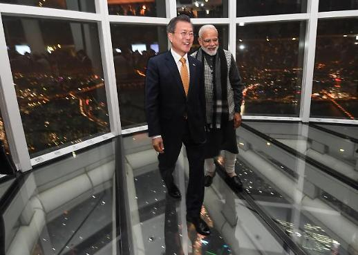 [포토] 2019년 첫 국빈, 인도 모디 총리와 스카이 전망대 찾은 문재인 대통령