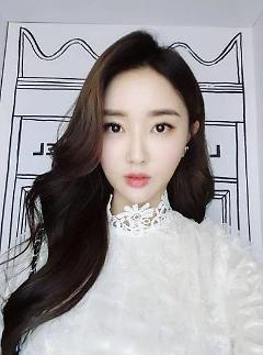 [#SNS★] 황미나, 인스타그램 비공개 전 올린 게시물 보니 청순한 매력