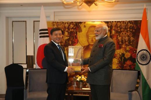 인도 모디 총리 석가모니 보리수 김해시에 직접 기증