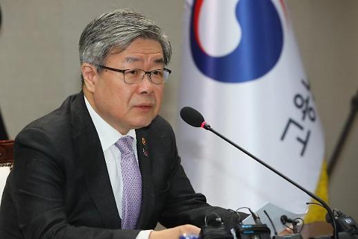 """이재갑 고용부 장관, '일학습병행 우수기업' 방문...""""제도 개선 지속"""""""