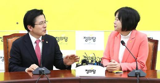 황교안, 정동영·이정미 첫 만남서 '5.18망언·탄핵발언' 곤혹