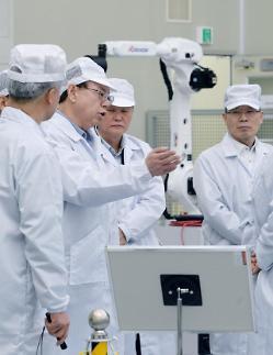 """조성진 LG전자 부회장, """"부품 공용화·표준화로 로봇사업 경쟁력 확보해야"""""""