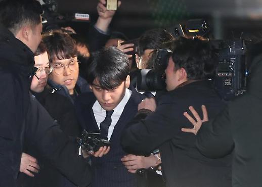 [포토] 조사 마친 승리와 정준영의 카메라 돌파