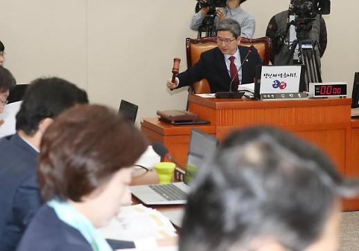 탄력근로제·최저임금 개편, 국회서도 표류…내달 논의키로