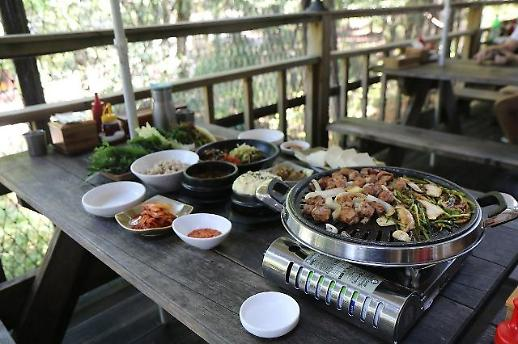[백년 맛집] ⑧만석장…북한산 자락에서 맛보는 두부요리와 쌈밥