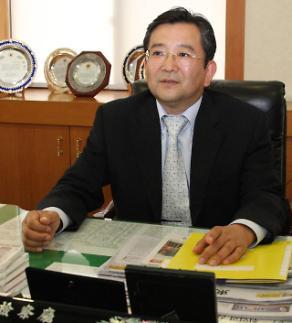 방콕 가려던 김학의 전 차관, 최소 한 달 간 출국 금지…5년 만에 재수사하나