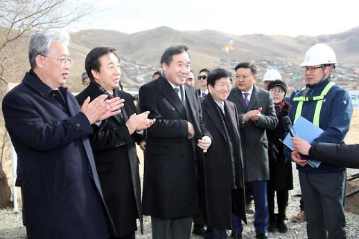 몽골 찾은 이 총리 미세먼지 각국이 줄여야...사막화 방지 도시 숲 방문