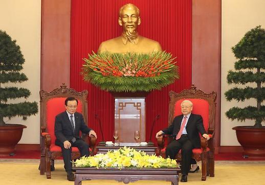 베트남 국가주석 만난 이해찬 베트남 경제발전, 北에 좋은 경험