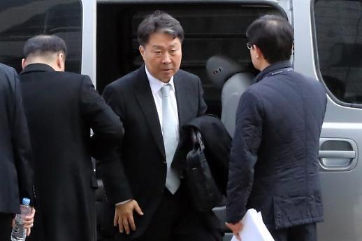 """'가습기살균제 판매' 안용찬 전 애경 대표, 구속영장 기각…""""책임 다툼 여지"""""""