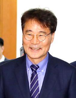 장하성 주중대사 정식임명·중화권전담局 출범…한중관계 해빙 노리나