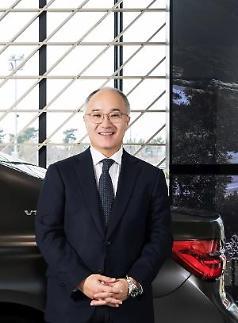 김효준 BMW코리아 회장, 20년만에 대표이사직 내려놓는다