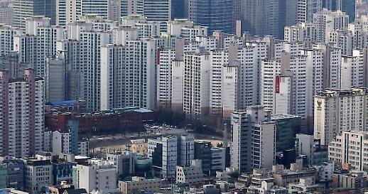 봄 이사철 거래 절벽 심화… 서울 아파트 거래량 작년 대비 10분의 1