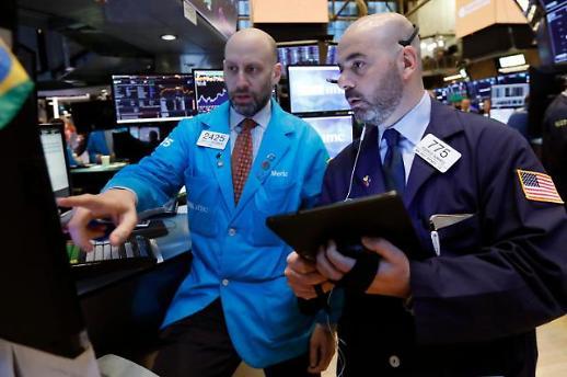 글로벌 R의 공포 물러갔나…미·중 경제지표 회복에 증시 환호
