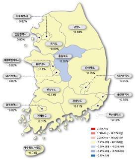 서울 아파트값 22주 연속 하락…매도·매수자간 눈치 보기 치열