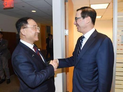 美재무장관 만난 홍남기 한국車, 관세부과 대상서 제외해달라
