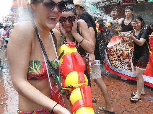 [포토] 태국 최대 물총 축제 송크란 페스티벌