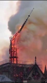 [단독 동영상] 노트르담 대성당 화재 순간…파리시민들 숭례문때처럼 '눈물바다'