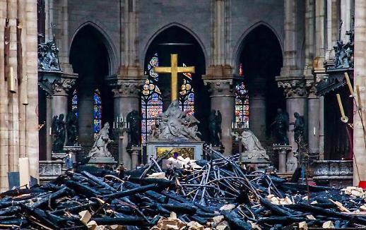 [글로벌 포토] 화마가 휩쓸고 간 노트르담 대성당