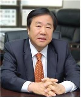 우오현 SM그룹회장, 영월군 복지시설에 생활가전 기증