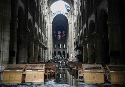 문희상 의장, 프랑스에 노트르담 대성당 화재 위로전 보내
